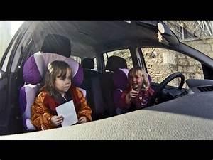 Auto Sitzkissen Kinder : zwillinge fahren auto oder wie man ein auto startet lustige kinder videos youtube ~ Avissmed.com Haus und Dekorationen