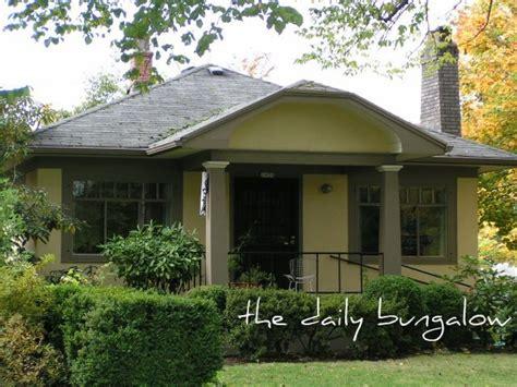 bungalow paint schemes bungalow exterior paint colors