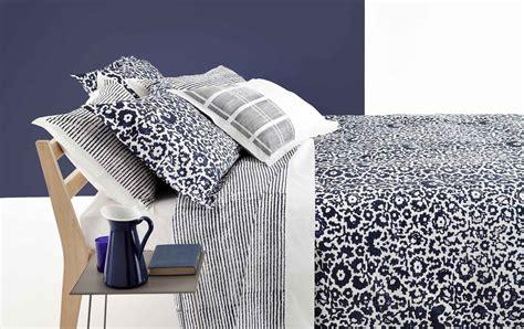 dormire bene letto materasso  biancheria cose  casa