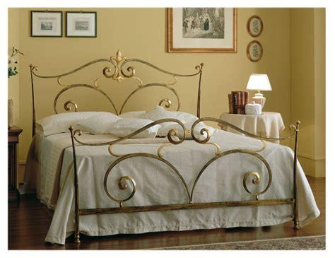 letti a baldacchino in ferro battuto letto in ferro battuto modello