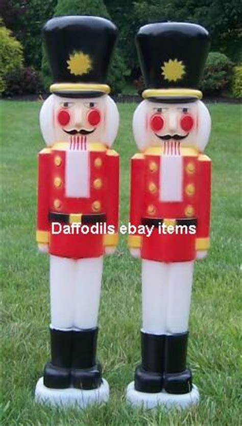 large outdoor christmas nutcrackers