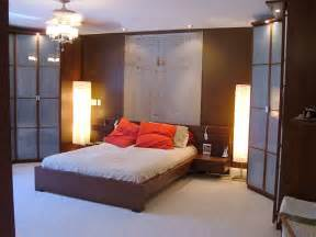 average master bedroom bath closet size how much