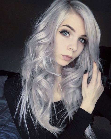 28 Inspiring Silver Hair Color Ideas Page 9 Of 28