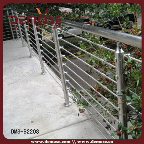 Model Iron Galvanized Steel Pipe Balcony Railing And