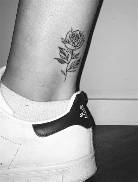 Tatuajes en el tobillo y tobilleras para Mujeres Hombres
