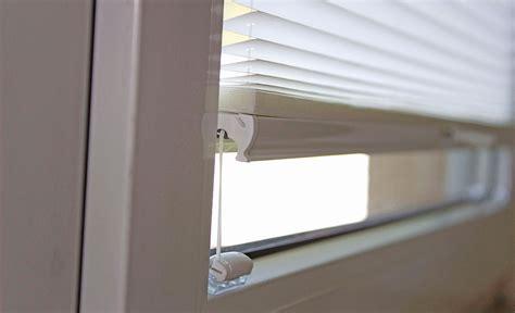 Gardinen Am Fensterrahmen Befestigen by Plissee Am Fensterrahmen Befestigen Der Neue Sensuna Clip
