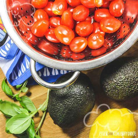 avocado caprese  carb rezepte essen ohne