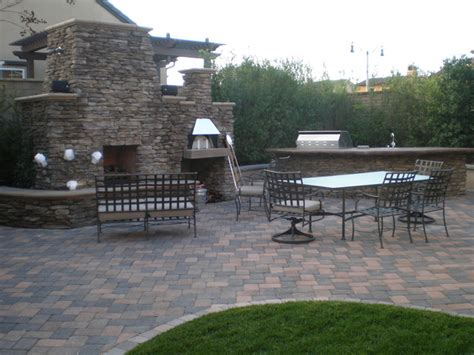 outdoor fireplace pizza oven bbq island and paver patio