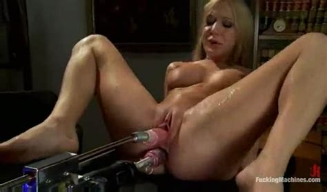 Amy Brooke Fucking Machine And Squirting