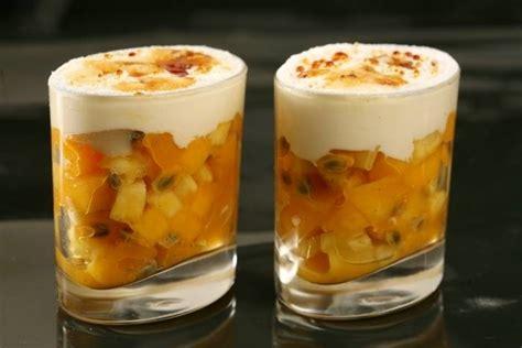 recette verrine dessert fruit recette de verrine de fruits exotiques sabayon rhum vanill 233 et vinaigrette au citron vert