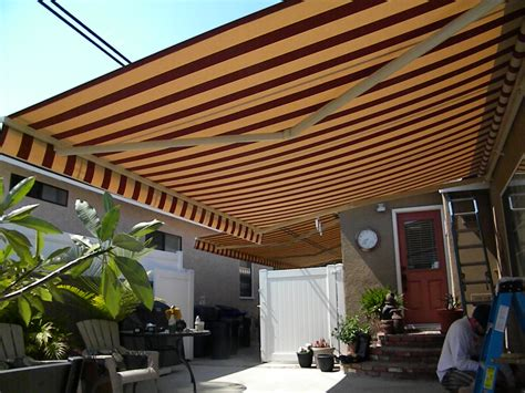 retractable awnings    shade awnings