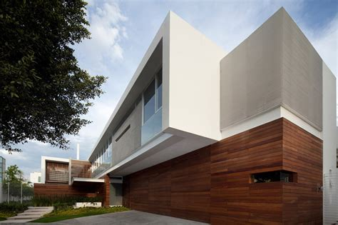 Modern Work Of Mexican Architecture : T-shaped Contemporary Mexican House