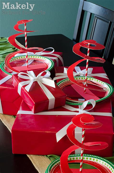 easy christmas crafts for schools paper plate crafts how wee learn