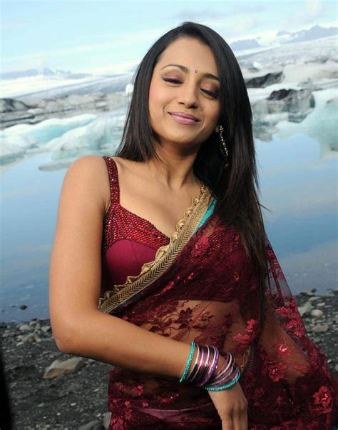 Manadesi Tollywood Actresstrisha Latest Red Sarees Wallpapers