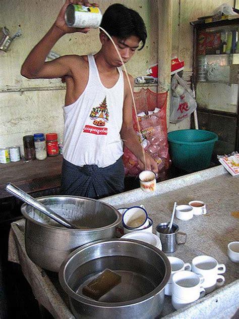 Breakfast in a Burmese Tea Shop (Myanmar) - Sens Asia Travel