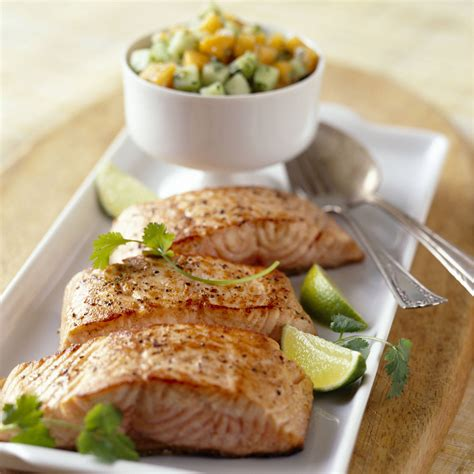 cuisiner le pavé de saumon cuisiner pave de saumon poele 28 images recette pav