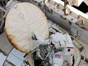 [ISS] Quest airlock hatch thermal cover marks ...