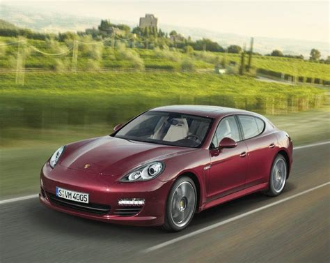 Porsche Panamera (ruby Red Metallic)
