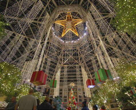 christmas  claus  celebration  gaylord texan resort