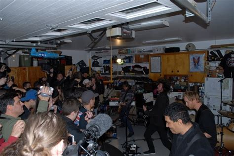 Foo Fighters Garage Tour, Playing In Fan's Garages Around