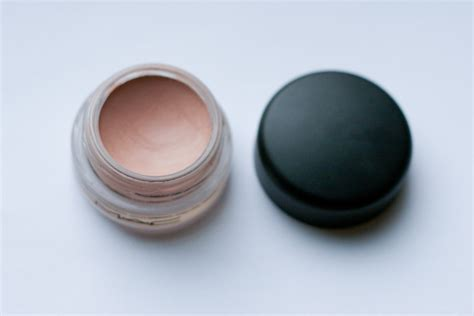 paint pot mac painterly review and photos mac paint pot in painterly vancouver eyeshadow addict