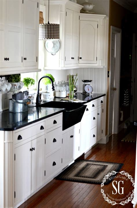 white kitchen cabinets photos stonegable on white dishes farmhouse kitchens 1359