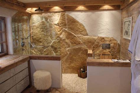 Naturstein Badezimmer Ideen rustikales badezimmer mit naturstein und altholz