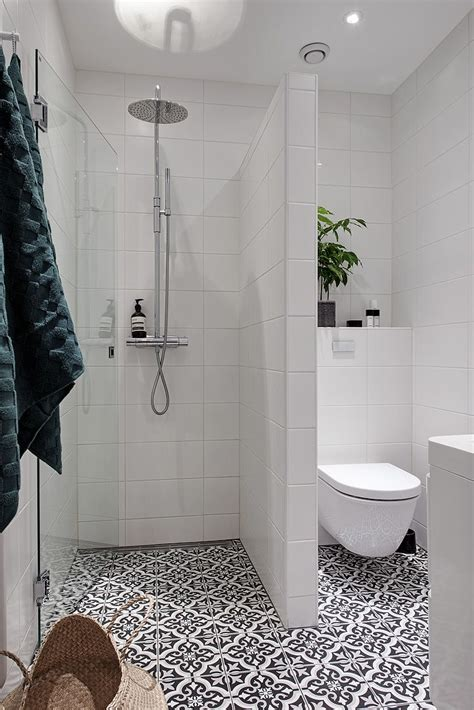 small bathroom designs pictures best 20 small bathroom layout ideas diy design decor