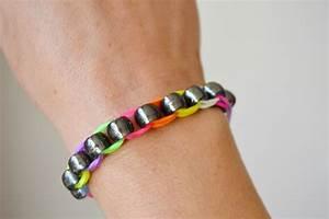 Comment Faire Un Bracelet En Perle : les bracelets en lastiques et perles sans machine maman tt faire ~ Melissatoandfro.com Idées de Décoration