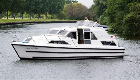 Small Motor Boats For Sale London by Boating Holidays Cruiser Boat Hire Day Boats On The