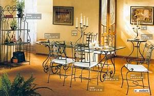 Dcoration contemporain salle a manger fer forg for Meuble salle À manger avec chaise fer forgà