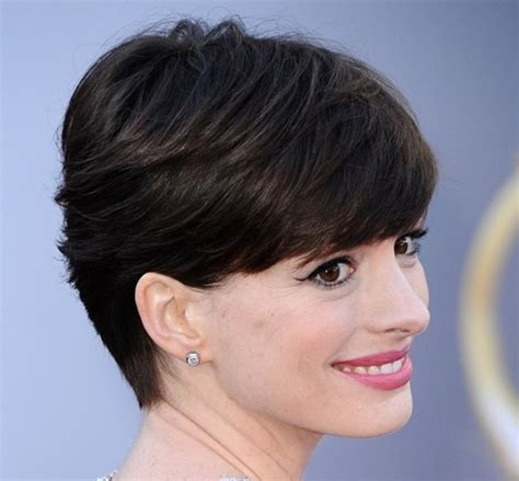 Anne Hathaway Short Hairstyle   Casual, Everyday