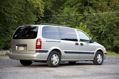 Purchase Used 2004 Chevy Venture Lt Minivan  Lift Chair