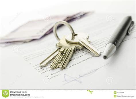 photo arri鑽e plan bureau affaire fermée d 39 acheter une maison photos libres de droits image 30239968
