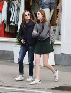 Julianne Moore Daughter Beach | www.pixshark.com - Images ...