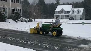 Snowblowing With The John Deere 425