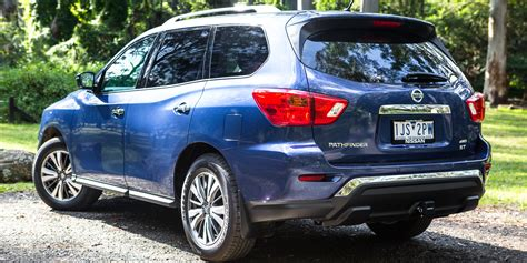 2017 Pathfinder Review by 2017 Nissan Pathfinder St Awd Review Caradvice