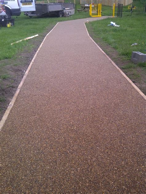 driveway edging materials gravel driveway with treated pine timber edging backyard landscaping ideas pinterest