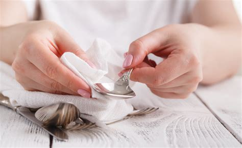 Wie Reinige Ich Silber? Backpulver-methode