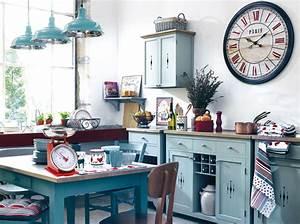 le succes des cuisines vintages elle decoration With deco retro cuisine