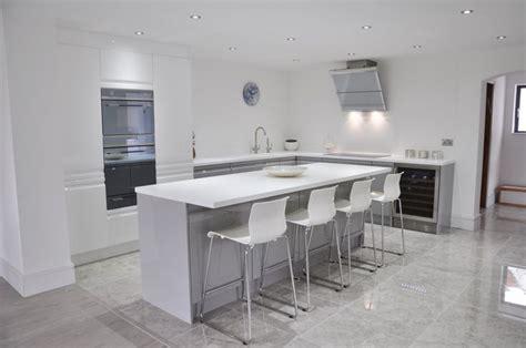 high gloss gray kitchen cabinets best 25 grey gloss kitchen ideas on gloss