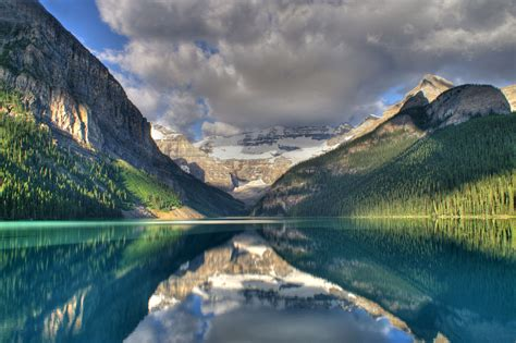 Lake Louise Lake In Banff National Park Thousand Wonders