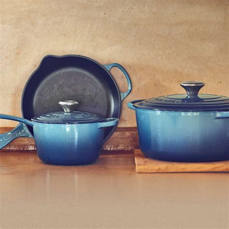 le creuset signature cast iron cast iron cookware set  piece marine cutlery
