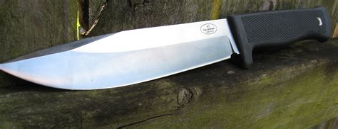 Knives Reviews by Fallkniven A1 Army Survival Knife Review