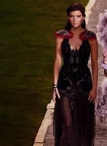 OMG!! The Mockingjay DRESS!! | Jennifer Lawrence ...
