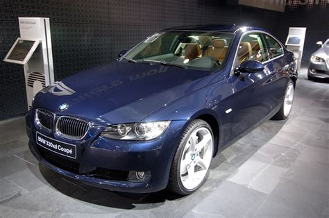 bmw 330 xd pictures bmw 330 xd coupe photos news reviews specs car listings
