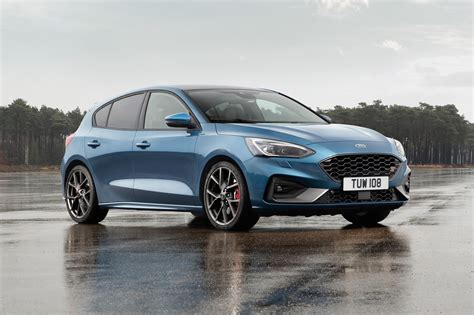 Neuer Ford Focus St by Ford Focus St Hatch Prices Specs Info Car Magazine