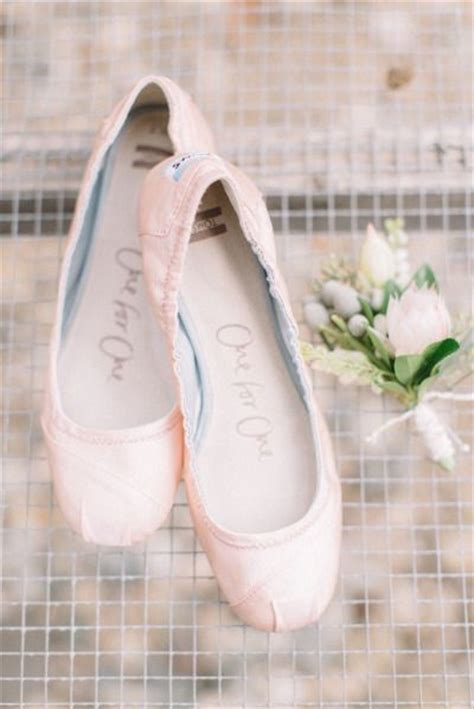 comfortable wedding flats  brides deer pearl flowers