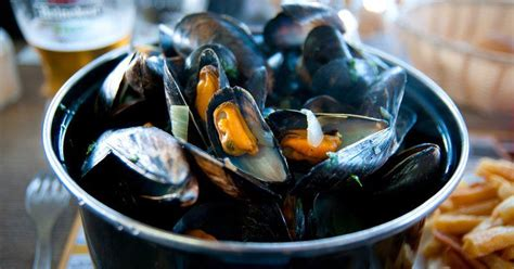 preparez dauthentiques moules marinieres ce week  pour