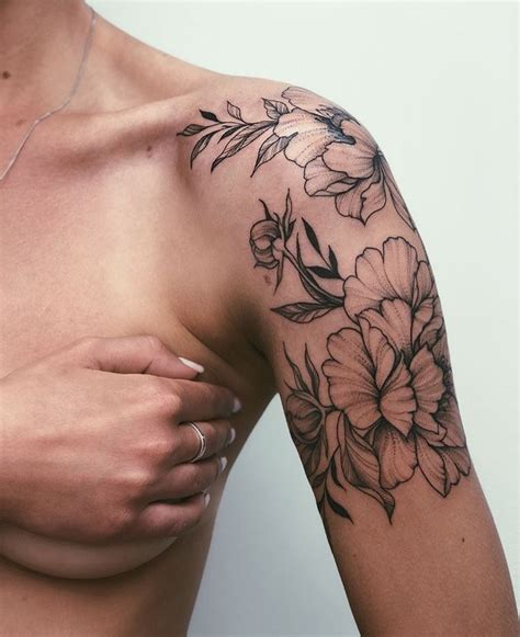 THIS!!!! But forget-me-not flowers! Floral tattoo on the ...